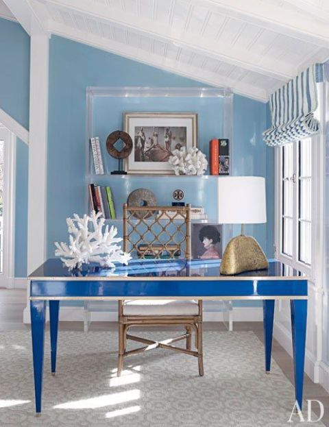 23 Beach-Inspired Home Office Designs