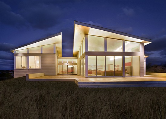 Front Elevation Of House With Flat Roof : Modern solar powered beach house digsdigs