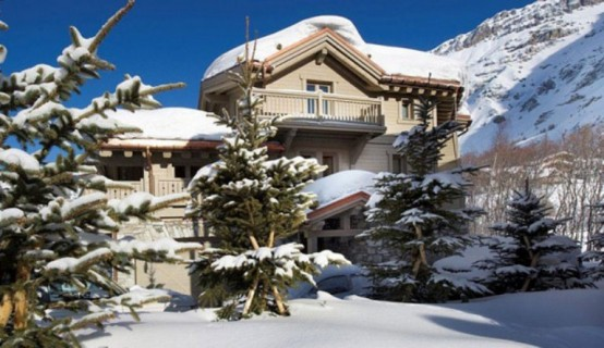 Beautiful Alps Chalet In White Pearl Shades