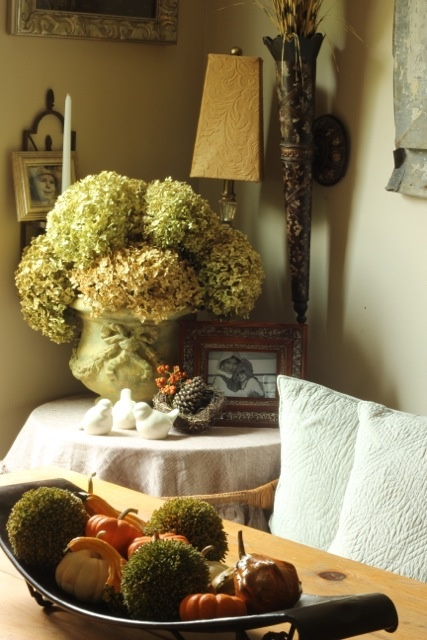 Beautiful And Cozy Fall Dining Room Decor Ideas