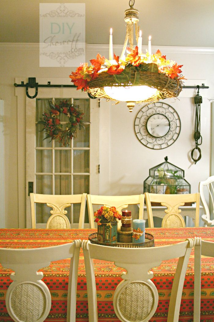 30 Beautiful And Cozy Fall Dining Room Décor Ideas | DigsDigs on Room Decor Ideas id=34034