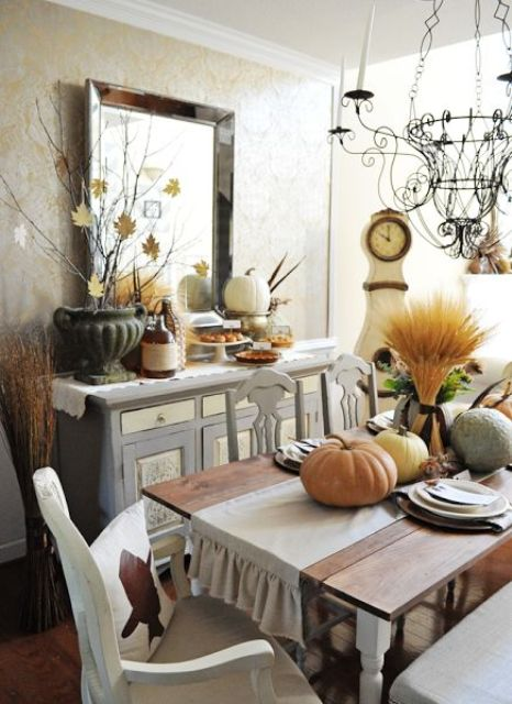 30 beautiful and cozy fall dining room d cor ideas digsdigs for Pictures of dining room tables decorated