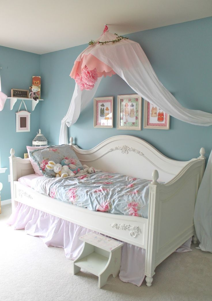40 beautiful and cute shabby chic kids room designs digsdigs for Shabby chic bett