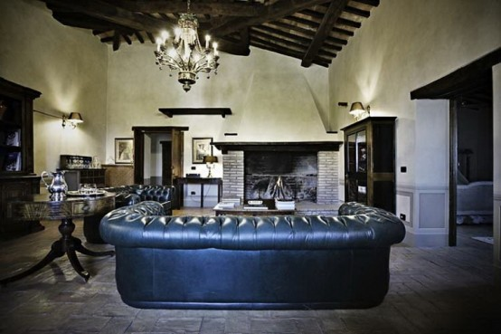 Beautiful Antique Villa In Italian Countryside