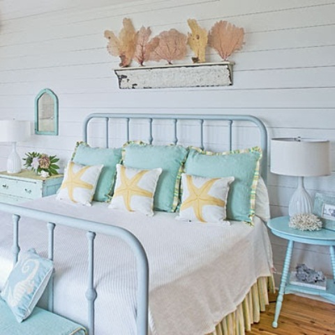 49 beautiful beach and sea themed bedroom designs digsdigs for Cool beach decor