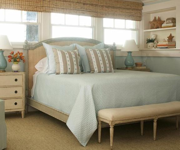 Beautiful beach and sea inspired bedroom designs digsdigs for Sea inspired bedroom designs