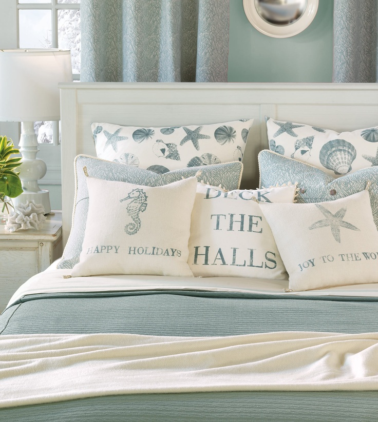 37 beautiful beach and sea inspired bedroom designs digsdigs for Vintage ocean decor