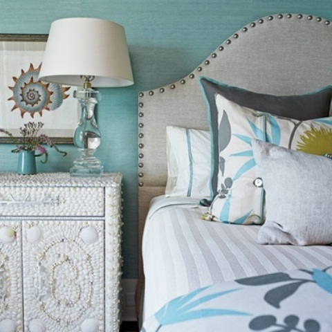 49 beautiful beach and sea themed bedroom designs digsdigs for Designer inspired bedding
