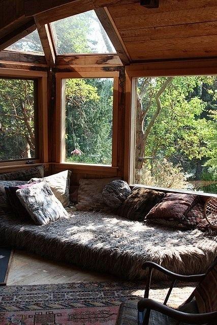 Small Living Room Interior Design: 23 Beautiful Boho Sunroom Design Ideas