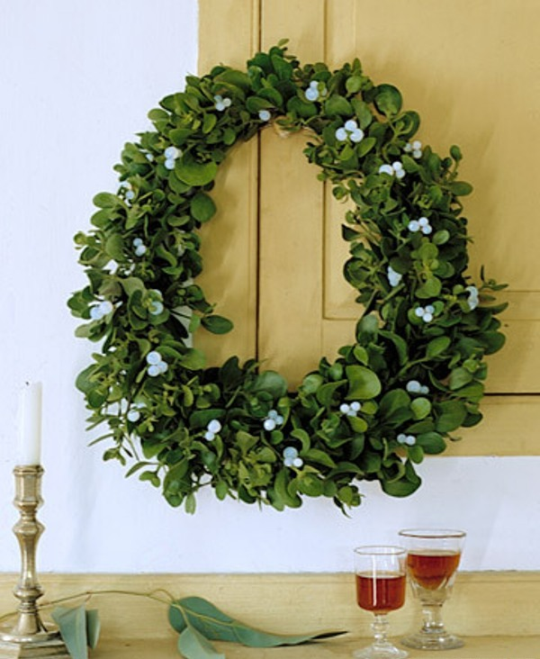 50 awesome christmas wreaths ideas for all types of d cor digsdigs - Awesome christmas wreath with homemade style ...