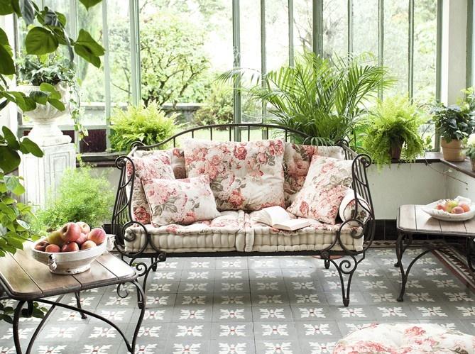Beautiful Feminine Terrace Decor Ideas