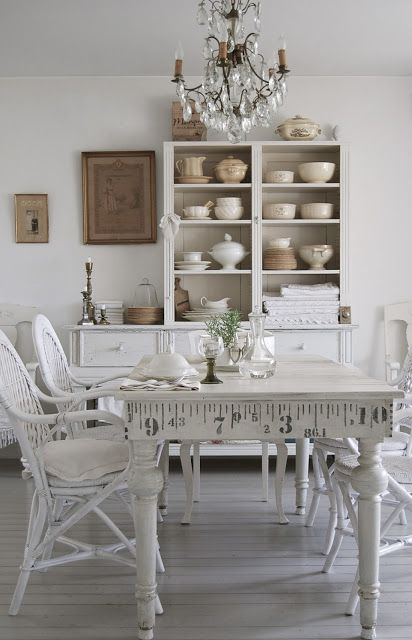 Beautiful Neutral Dining Room Designs