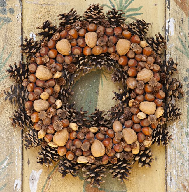 Beautiful nut and acorn wreaths for natural fall decor 20