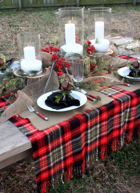 Beautiful Outdoor Christmas Table Settings