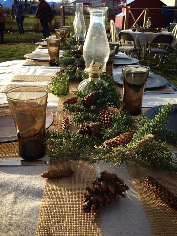 Beautiful Outdoor Christmas Table Settings