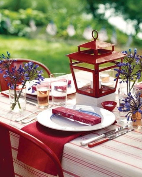 Delightful Beautiful Outdoor Christmas Table Settings