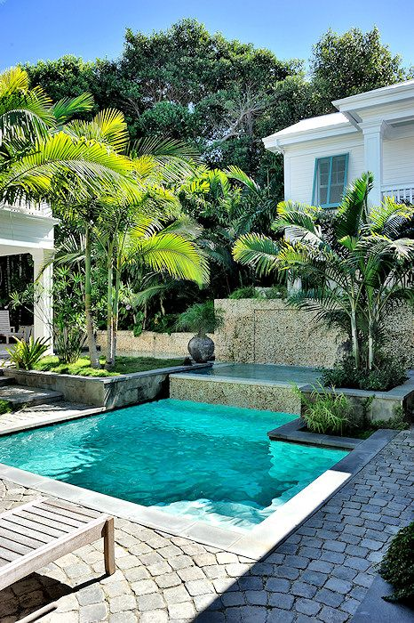 28 cool plunge swimming pools for outdoors digsdigs Swimming pool beautiful
