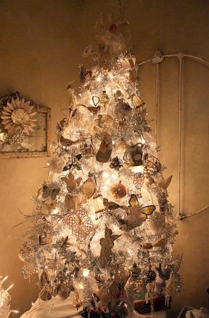 40 beautiful vintage christmas tree ideas my decor for Antique christmas tree decoration
