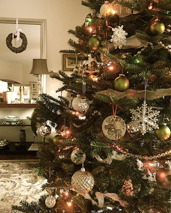 Beautiful Vintage Christmas Tree Ideas DigsDigs - Old fashioned christmas decorating ideas