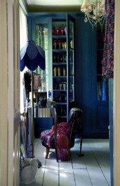 Beautiful Vintage Closets Youll Never Want To Leave
