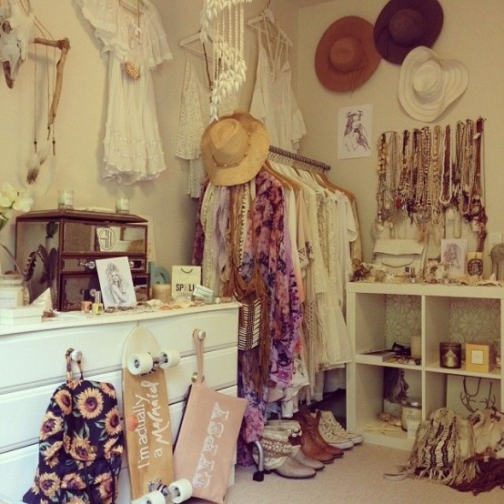 20 Beautiful Vintage Closets You Ll Never Want To Leave