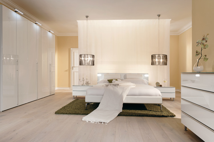 Warm Bedroom Decorating Ideas By Huelsta Digsdigs: modern minimalist master bedroom