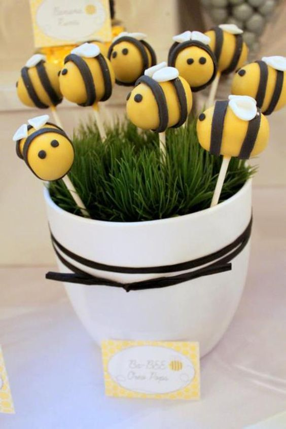 bee pops for a gender neutral baby shower