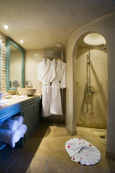 Beige Bathroom Design Ideas