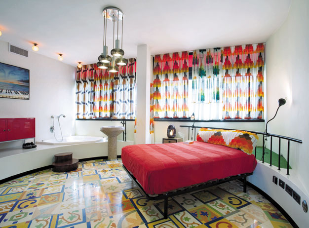 Duplex Apartment with Creative Interior Decor in Tel Aviv