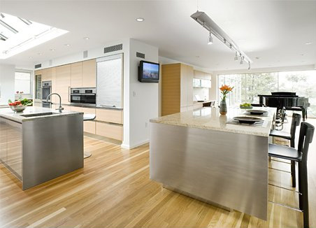 Beautiful Design Of Big Kitchen In Natural Colors Digsdigs