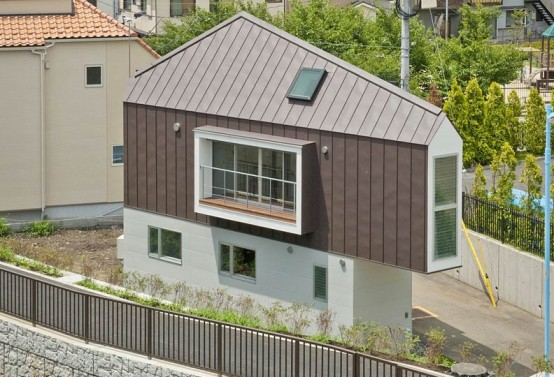 Compact Birdhouse-Shaped Minimalist Home