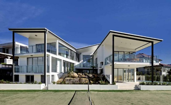 Enjoyable Black And White House Exterior Archives Digsdigs Largest Home Design Picture Inspirations Pitcheantrous