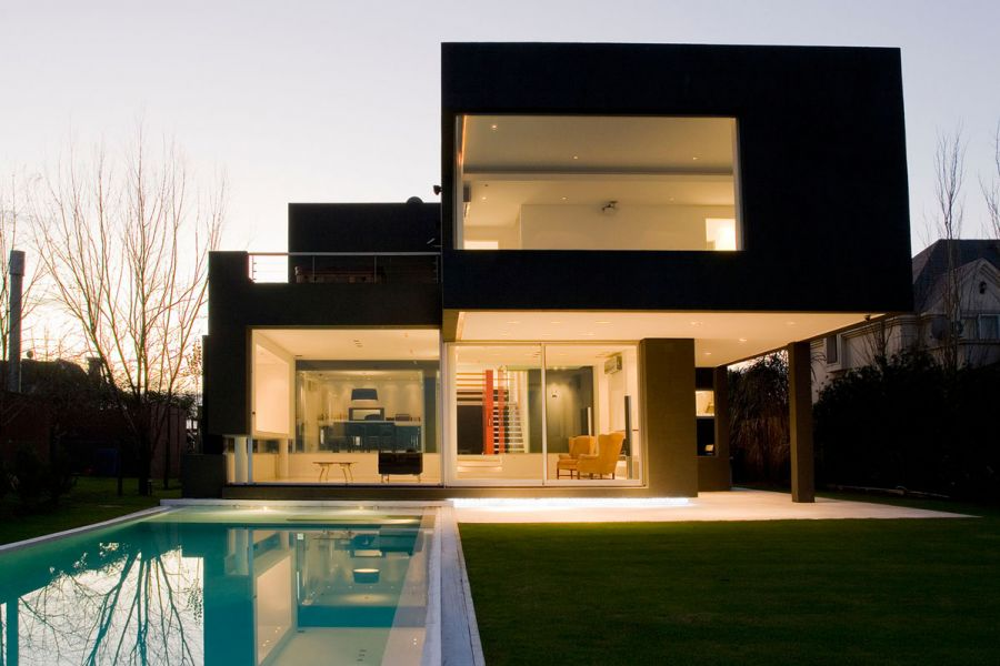 The black house for young couple casa mck digsdigs - Young couple modern homes ...