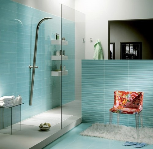 turquoise tiles and floors plus neutral touches for a minimalist and laconic bathroom