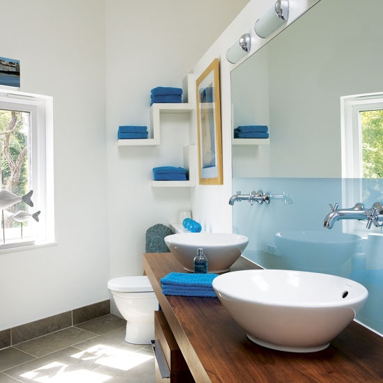 67 cool blue bathroom design ideas digsdigs for Cool cheap bathroom ideas