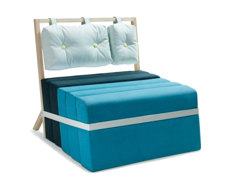 Blue minimalist seat and bed in one digsdigs for Sofa cama de 1 plaza