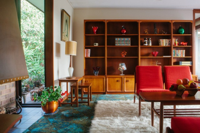 Bold And Eye-Catching Allum House In The 60s Style