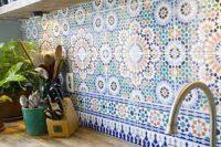 bold-mosaic-kitchen-backsplashes-to-get-inspired-12