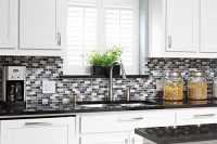 bold-mosaic-kitchen-backsplashes-to-get-inspired-14