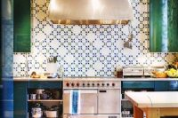 bold-mosaic-kitchen-backsplashes-to-get-inspired-23