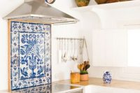 bold-mosaic-kitchen-backsplashes-to-get-inspired-26