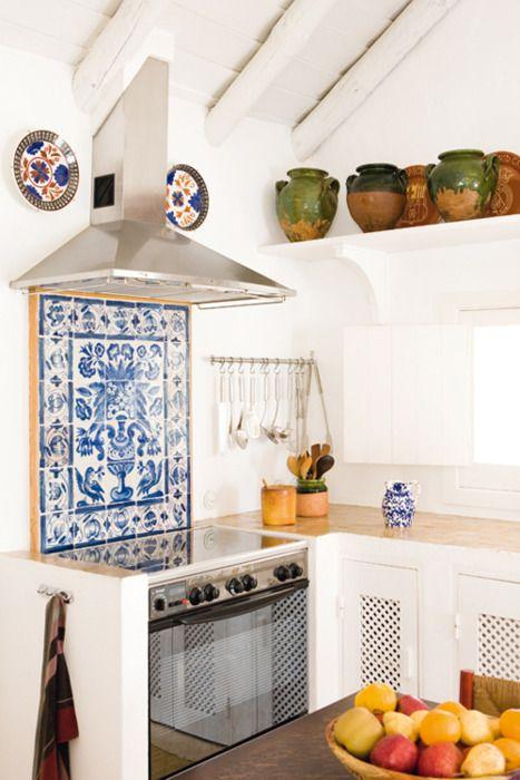 Bold Mosaic Kitchen Backsplashes To Get Inspired