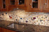 bold-mosaic-kitchen-backsplashes-to-get-inspired-4