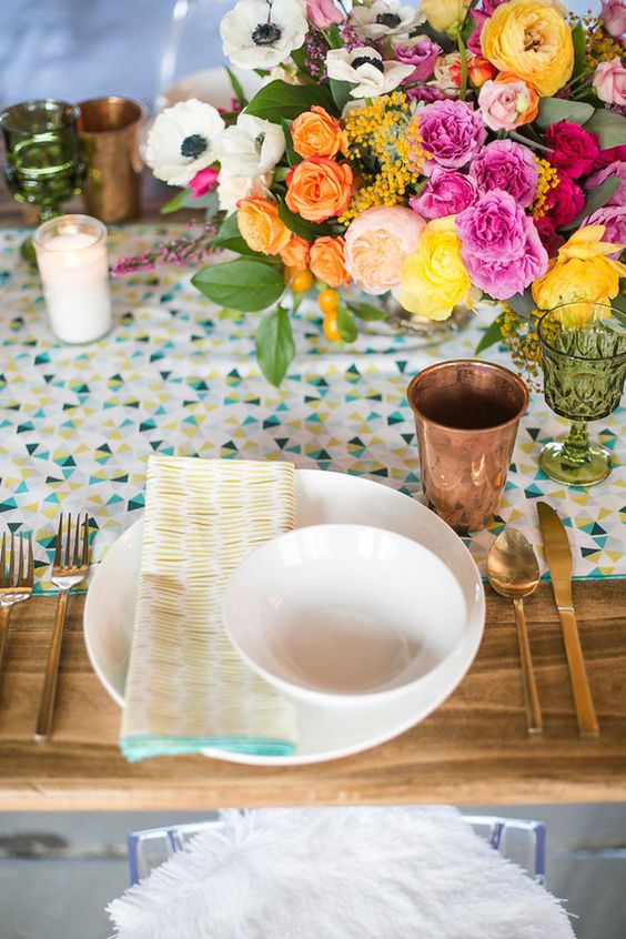 bold table settign for a modern baby shower