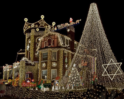 Top 10 biggest outdoor christmas lights house decorations digsdigs bostons house of dominic luberto sciox Images