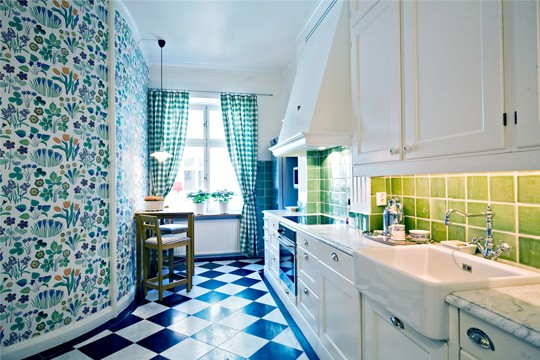 Beautiful Bright Kitchen With Colorful Patterns