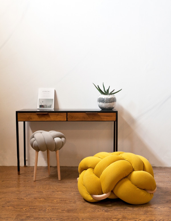 Bright Knotty Cushions And Stools For Modern Decor