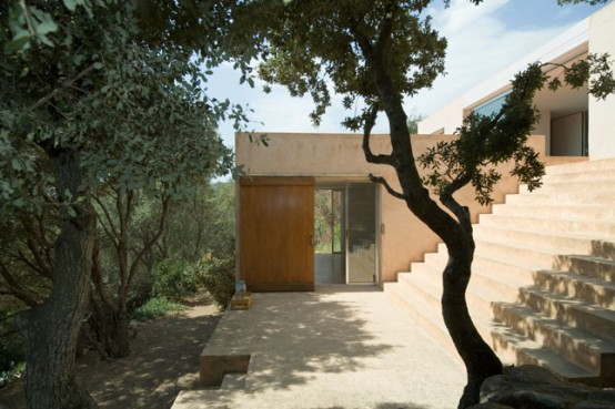 Bright Ocher Lime Corsica House – Draeger House by Philippe Stuebi