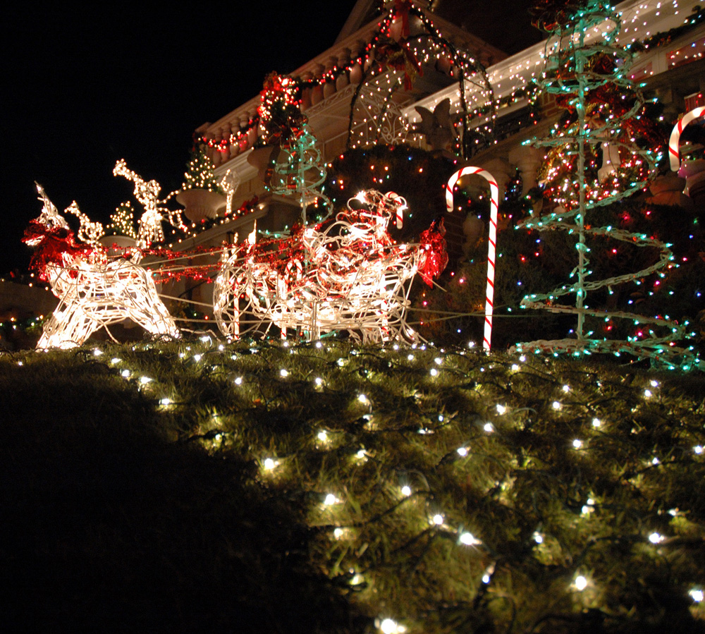 dyker heights house in brooklyn - Christmas Light Home Decorating Ideas