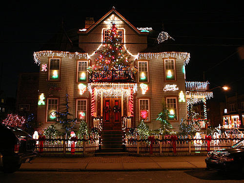 Decorated Homes For Christmas top 10 biggest outdoor christmas lights house decorations - digsdigs